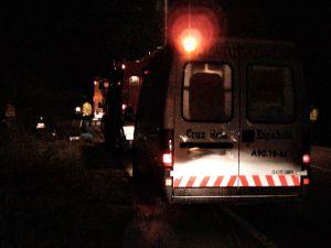 Ambulancia de Cruz Roja en intervención nocturna